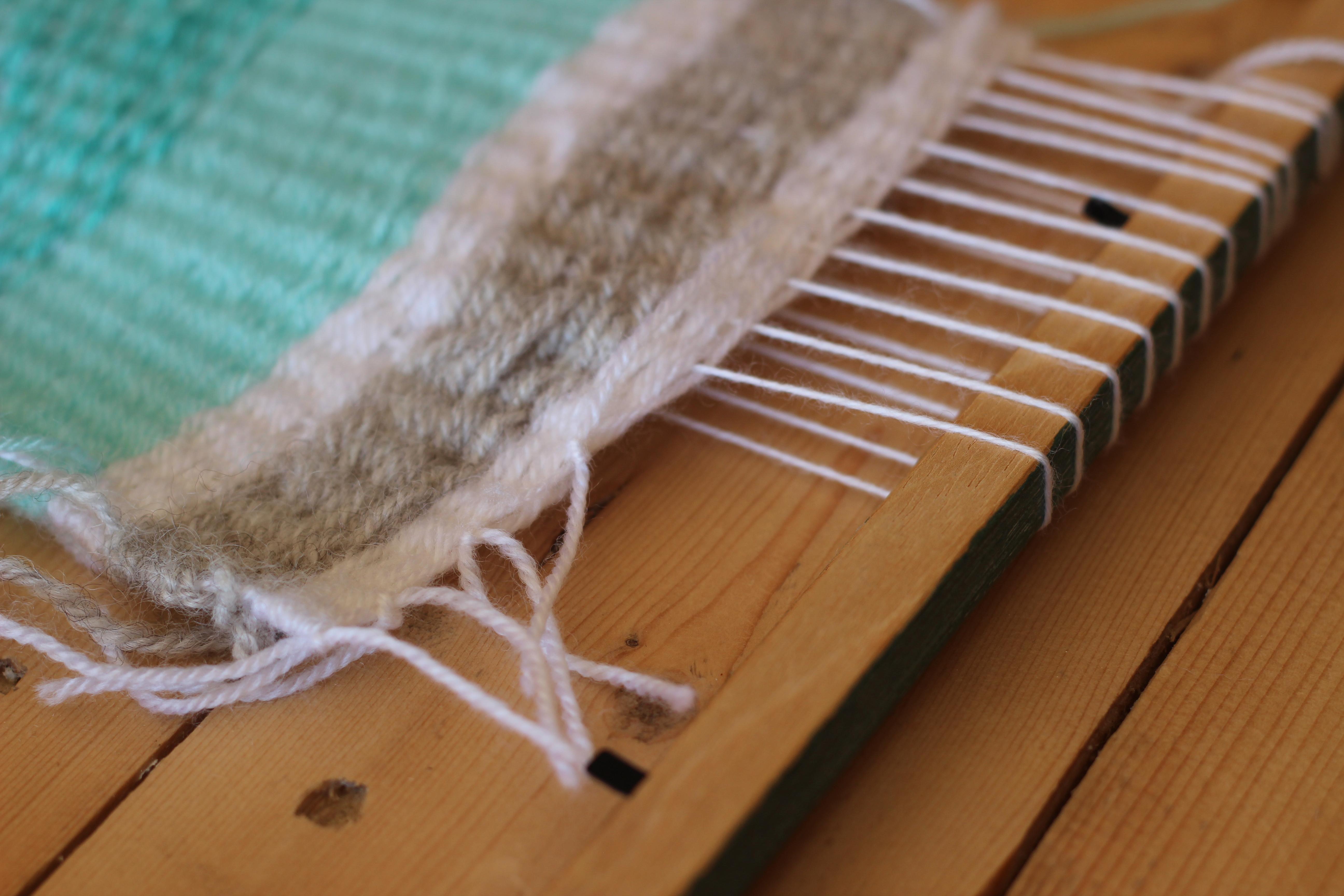 diy Hanging wall-fanion en laine dracipana 12
