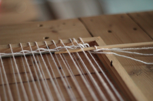 diy Hanging wall-fanion en laine dracipana 6