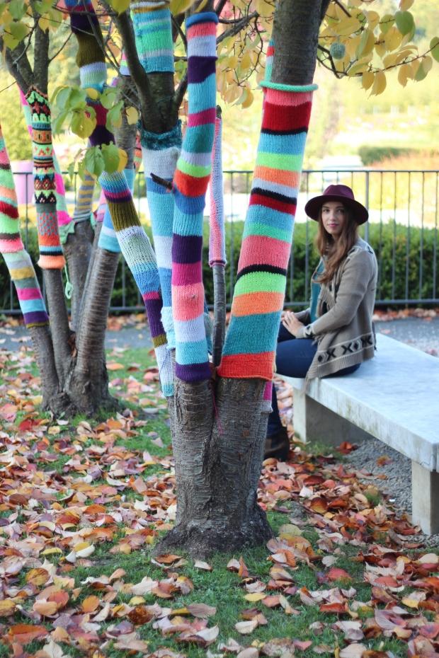 look boheme douceurs d'automne blog mode dracipana.com Lille chapeau bordeaux et pull en mohair etam 1